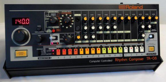Roland TR-08 B