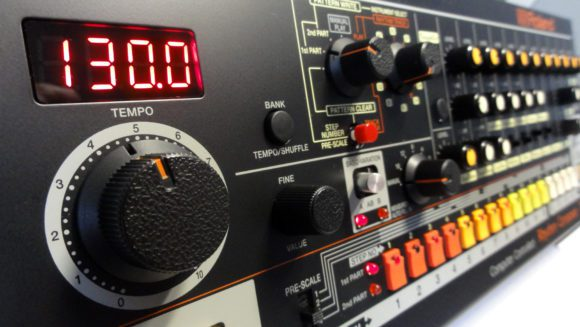 roland-tr-08_8-knob