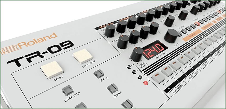 Test: Roland TR-09, VA Rhythm Composer - AMAZONA.de