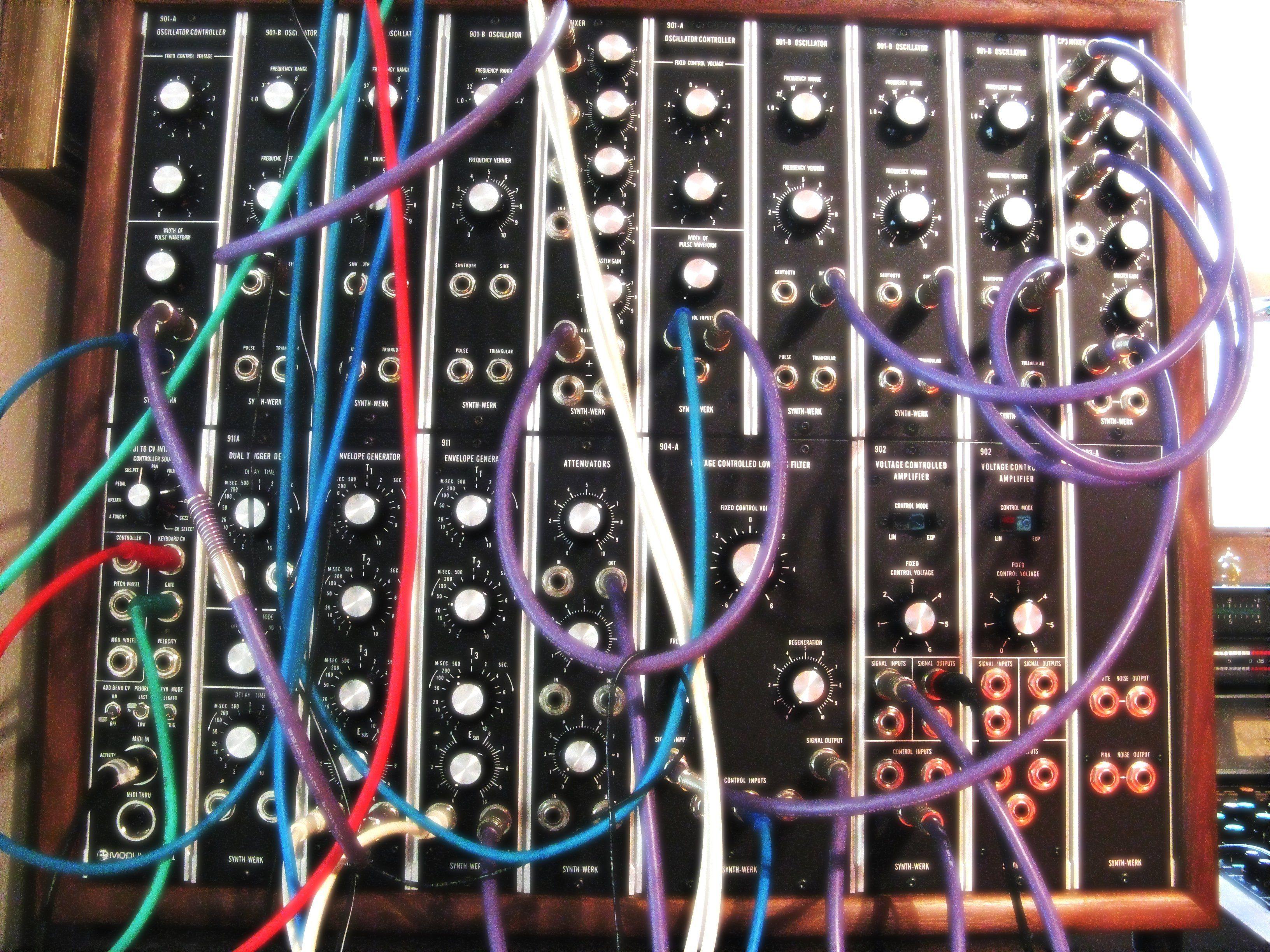 Test: Synth-Werk Trumansburg M2, Moog Modular Clone - AMAZONA.de