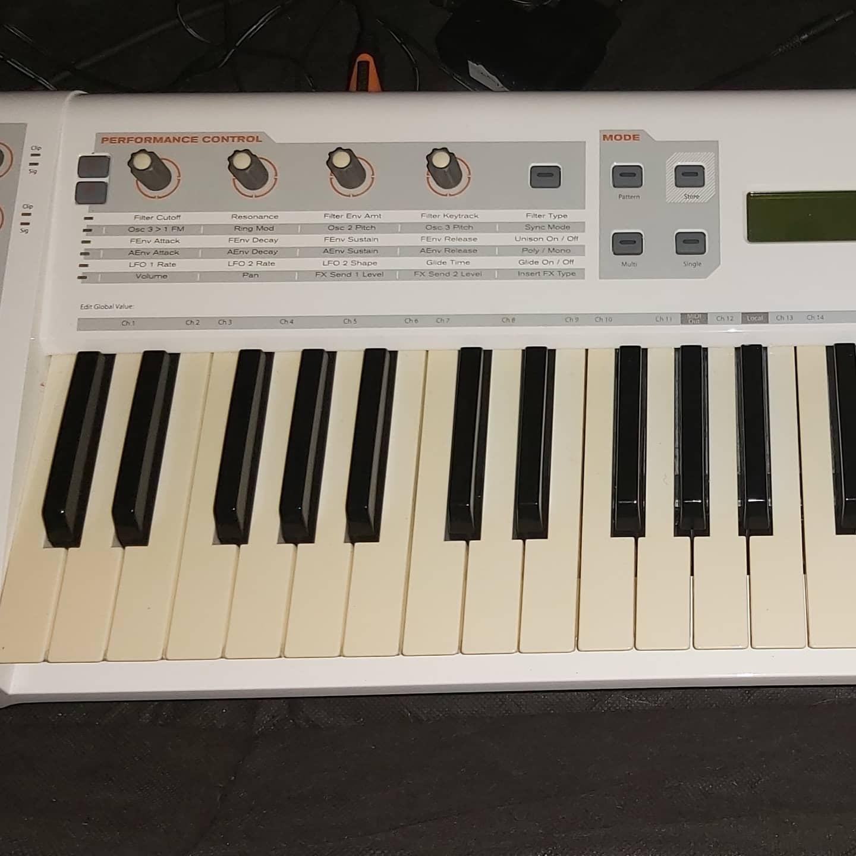 M Audio Venom