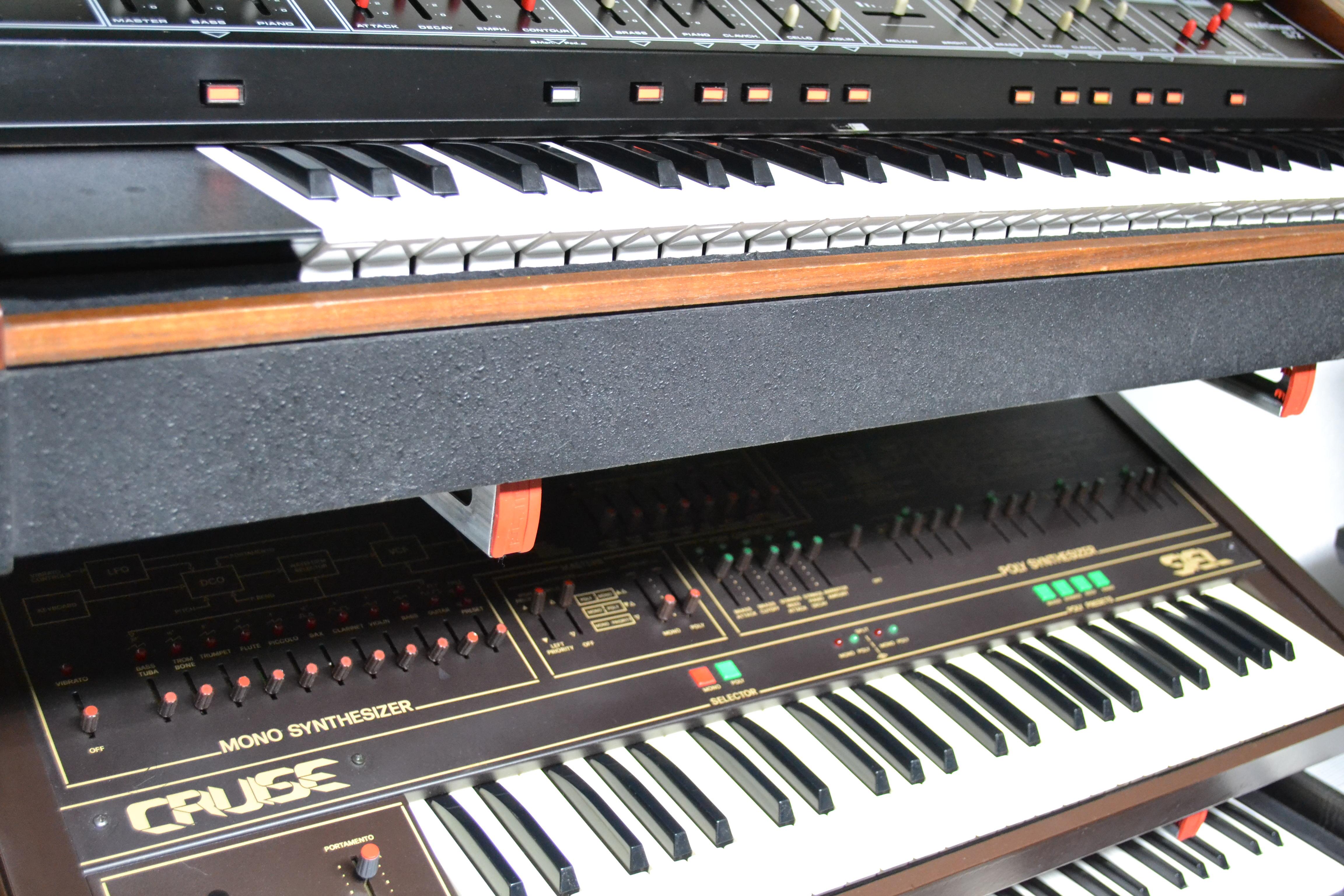 Einiges andere an 70er und 80er Vintage Synths
